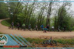 تور دوچرخه سواری آبشار پلنگ دره ماناسلو 12