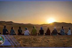 تور یوگا در طبیعت کویر - گروه گردشگری ماناسلو www_manaslo_com (2)