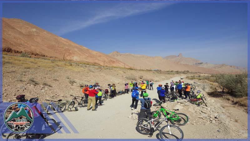 تور دوچرخه سواری ماناسلو گروه گردشگری ماناسلو غار چال نخجیر (4)