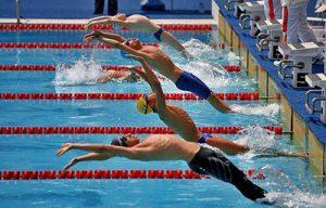 آموزش شنای کرال پشت مجموعه ورزشی ماناسلو