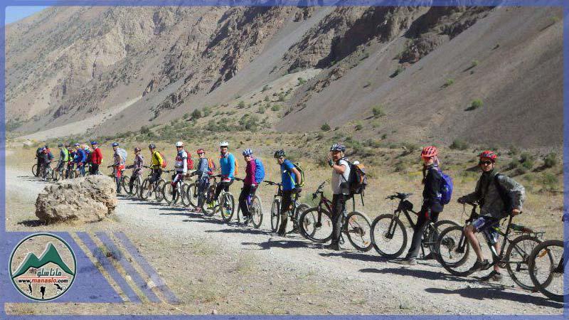 تور دوچرخه سواری دریاچه لزور گروه گردشگری ماناسلو (1)