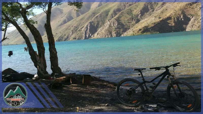 تور دوچرخه سواری دریاچه لزور گروه گردشگری ماناسلو (2)