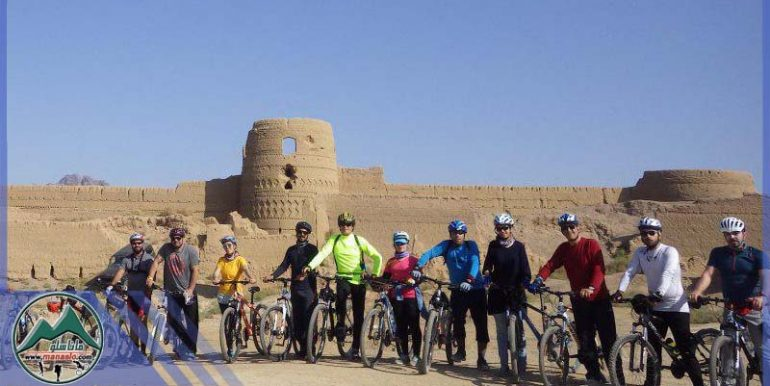 تور دوچرخه سواری قلعه کرشاهی ابوزید آباد گروه گردشگری ماناسلو (2)